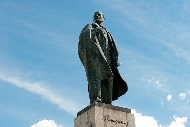 Кто закрыл скандальную выставку с Лениным из холодца: горисполком или сами кураторы?  — Рэакцыя на The Village Беларусь