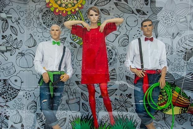 В ГУМе новые витрины: Расцвел цветок из обуви — Перамены на The Village Беларусь
