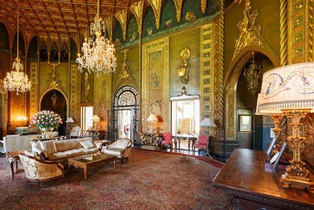 «Его Величество хочет Версаль с джакузи»: Почему дома диктаторов так ужасно выглядят — Забабоны на The Village Беларусь