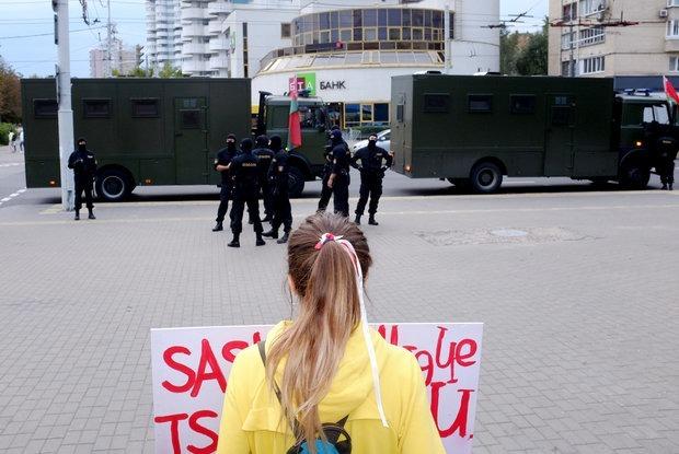 «Он был пьяным. Это признано»: Как власти врали про убийства мирных протестующих — Сітуацыя на The Village Беларусь