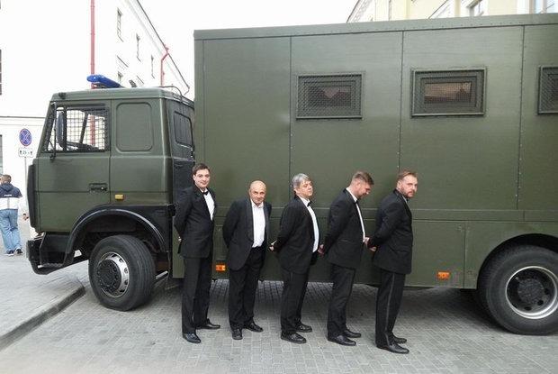 Появился тред в Twitter, который поймут только беларусы: «1 лайк — 1 автозак» — Трэд на The Village Беларусь
