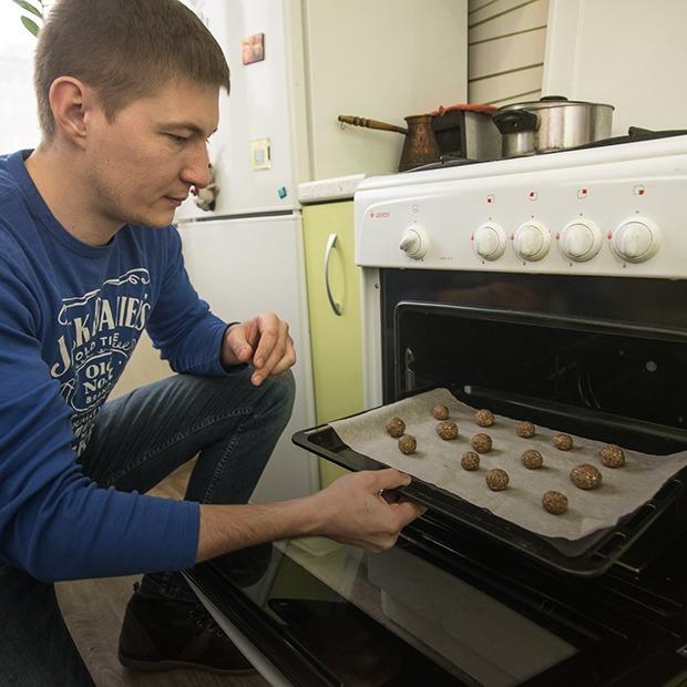 «Люди теряют время, испытывая отвращение к насекомым в пище»: Как сделать бизнес на сверчках — Як гэта працуе на The Village Беларусь