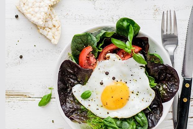5 нескучных рецептов из яиц: Для будней и выходных  — Рэцэпты кухараў на The Village Беларусь
