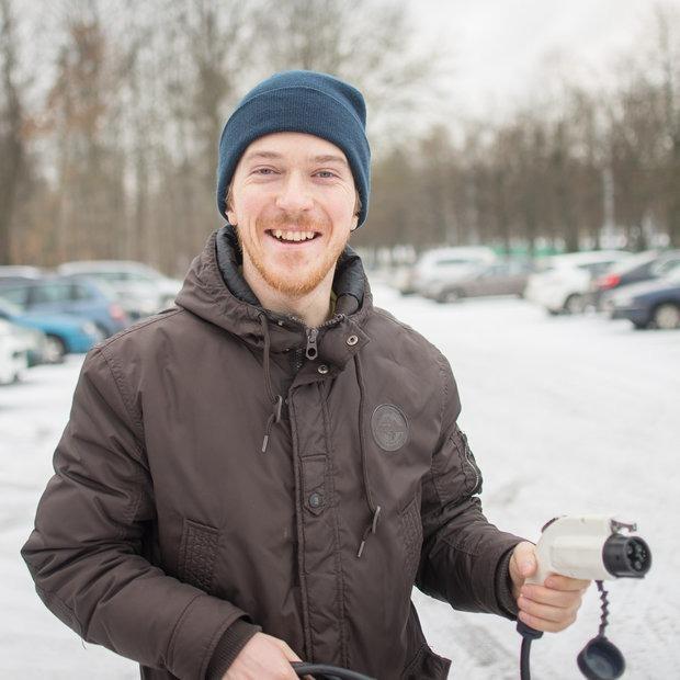 «Я уже наелся этого электричества»: Минчане на электромобилях жалуются на инфраструктуру — Тэхніка на The Village Беларусь