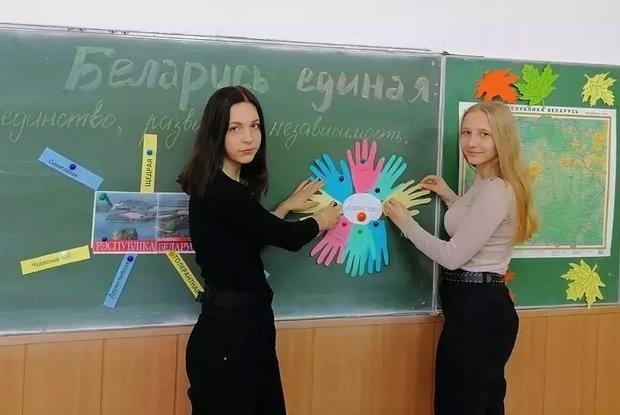 «С ноября начался полный трындец»: Уволенные учителя рассказали, что сейчас происходит в школах — Асабiсты вопыт на The Village Беларусь