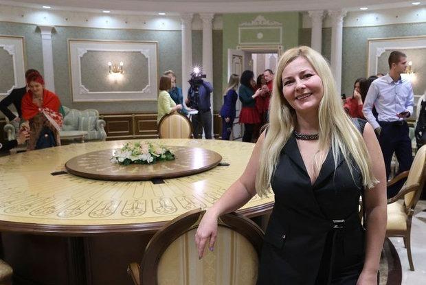 «Вы ослепли или тупите?»: Беларусы разгромили восторженный отзыв посетительницы дворца Лукашенко — Рэакцыя на The Village Беларусь