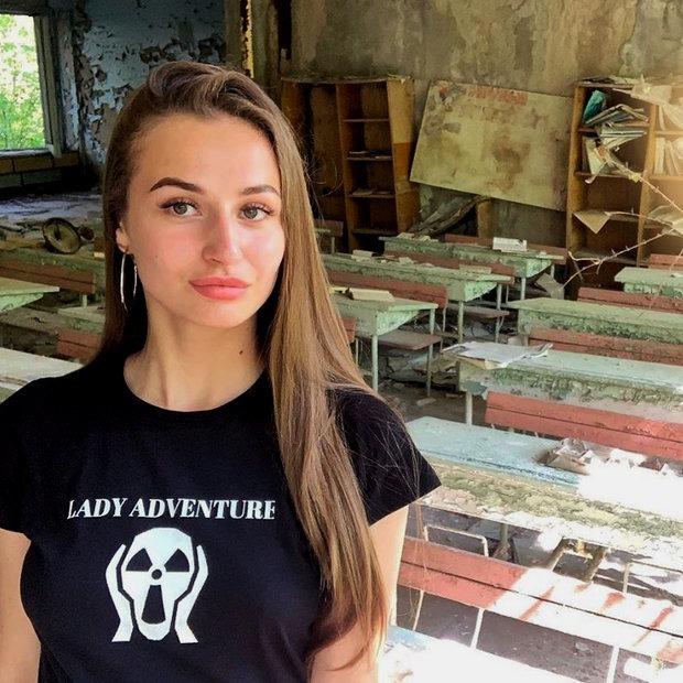 Популярные инста-блогеры атаковали Чернобыль, чтобы выложить полуголые фото в свой профиль — Фотагалерэя на The Village Беларусь