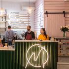 «Капремонт — хуже войны»: В скандальном доме на Маркса снова открылась кофейня «Мануфактура»