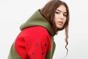 Накинь капюшон: 11 уютных худи от беларуских брендов