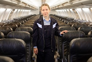 Я — девушка, которая чинит самолеты
