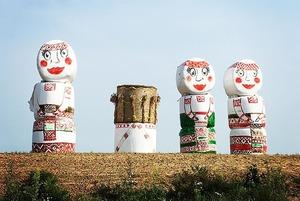 «Арт-директор» фестиваля «Дожинки» объясняет почему они так выглядят
