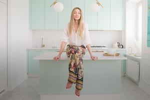 Квартира в стиле 60-х кулинарного блогера Саши Виторской