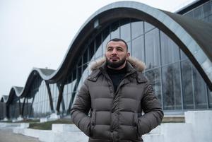 «Некоторые привычки беларусов для меня непонятны»: Чемпион мира Алим Селимов о жизни в Беларуси