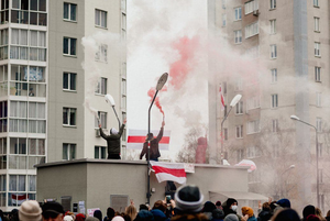 «Спали вшестером на кровати»: Беларус о том, как просидел 15 часов в заложниках на площади Перемен