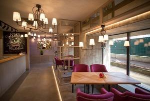 На Мельникайте открылся «мультиресторан» Bistronomia с собственной пекарней
