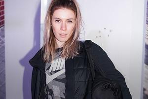 «Сейчас не модно быть женственной»: Минские сникерхэды о стиле и кроссовках