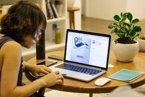 «Занимать стол четыре часа —  это неуважение к бизнесу»: Как долго можно сидеть в кафе с ноутбуком?