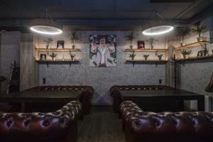 На Зыбицкой открылся бар «Эскобар», где обещают вечеринки в стиле колумбийского наркобарона