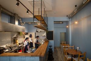 Минчанка начинала помощником официанта, а сегодня открыла свое кафе Cimes с израильской уличной едой
