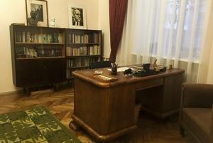 Как выглядит квартира в центре Минска, где ничего не трогали с советских времен