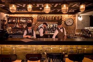 На Интернациональной открылся speakeasy бар «Бутлегер» с засекреченным входом