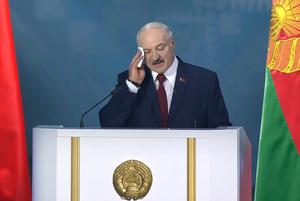 «Лайк, если шлюха, ретвит, если проститутка»: Как соцсети смеются над посланием народу от Лукашенко