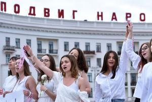 «За сутки нас стало 10 000»: Кто эти беларуски, которые год назад запустили волну женских протестов