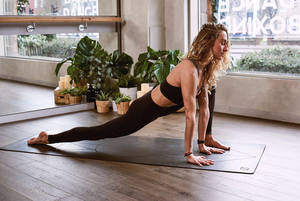 7 простых упражнений, чтобы размять мышцы в офисе