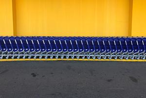 Эксперимент: Как мы пытались пронести корзинки через кассу гипермаркета