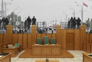 «Смешно и неудобно»: Что сказали силовики, которых Лукашенко лишил звания