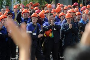 «Омон орал, что это их город»: Как власти пытаются свернуть забастовку на «Гродно Азот», но не могут