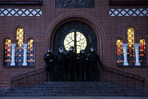 7 абсурдных вещей, которыми теперь занимаются беларуские силовики (не считая избиений и пыток)