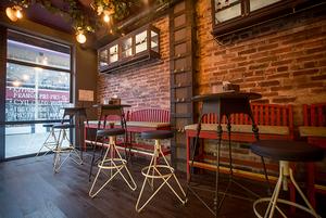 На Интернациональной откроется порто бар «Чернила» с португальской едой и танцами на стойке