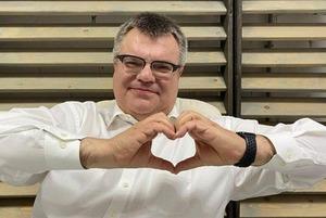 «Саша, вставай, мы всех посадили»: Как беларусы разозлились из-за задержания Виктора Бабарико