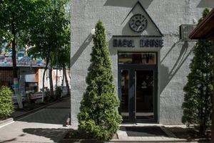 «Мы открыли кафе с новым для Минска продуктом»: На Октябрьской появился Bagel House