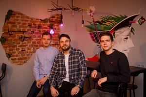 «Те, кто меряется новыми айфонами, к нам не пойдут»: Трое айтишников сбросились и открыли бар