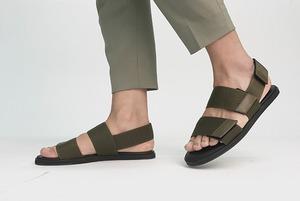 Не разносить экскременты и не портить туфли: Почему нужно переобуваться на работе