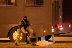 «Стреляли на поражение»: Главное о 4 днях протестов в Беларуси, которые потрясли весь мир
