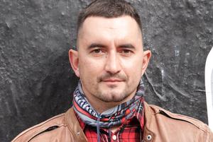 «Вы сошли с ума и вы не люди»: Как соцсети реагируют на попытку Латыпова убить себя прямо на суде