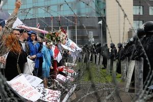 Сотни тысяч мирных демонстрантов и беспредел «тихарей» в штатском: Как прошел Марш единства в Минске