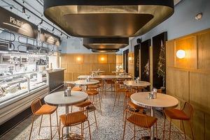 На Революционной открылся Seafood Bar со свежей рыбой, устрицами и шампанским