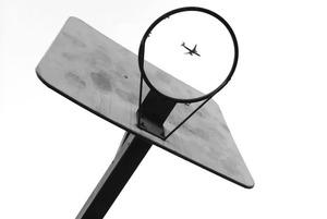 «Теперь ясно, зачем мы учили гужевую повозку в ПДД»: Куда еще можно вылететь и выехать из Беларуси