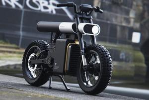 «Зумеры не хотят ездить на старперской технике»: Беларус создал мотоцикл, о котором пишет весь мир