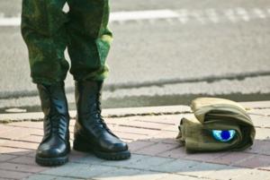 «Многие солдаты думают, что в стране семь областей, как на номерах»: Беларусы о своей службе в армии