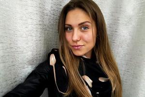 «Просили не лайкать политические посты»: Девушка ушла из МВД и столкнулась с насилием