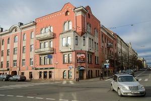 «Этот уникальный дом заслуживает большего»: Как выглядит бывший дом со съемными квартирами изнутри