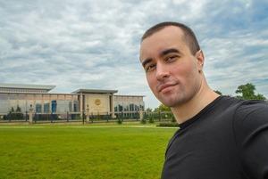 «Не приедем, не хотим поддерживать режим»: Иностранцы обсуждают, стоит ли им ехать в Беларусь