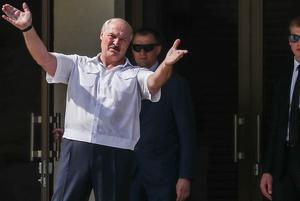 «Ябатинг понял, что его наябатинг»: Как соцсети смеются, что мегамитинг за Лукашенко сорвался