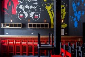 Хипстеры, подвиньтесь: На Октябрьской открывается олдскульный рок-бар «Back Draft»