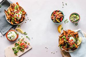 «Минус почти всех кафе — это громкая музыка во время обеда»: Любимые места минчан для бизнес-ланчей